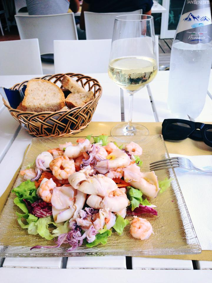 seafood salad lunch by the seaside at Bagno Arizona