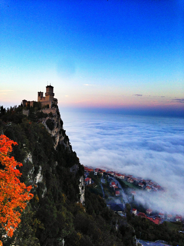 Ridiculously surreal photos of san marino dream euro trip for Flights to san marino italy